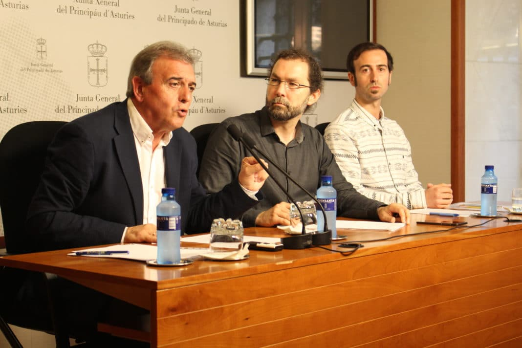 Emilio le n m s que representantes institucionales for Clausula suelo asturias