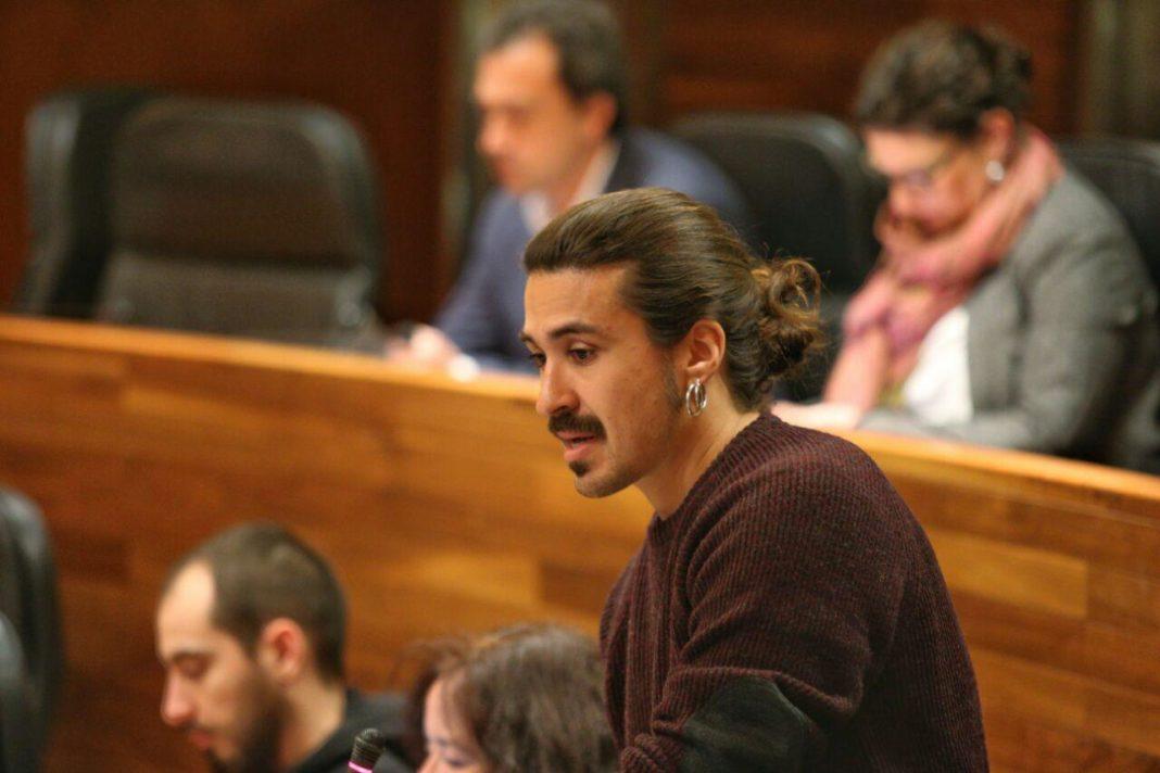 Andrés Vilanova interviniendo en el Pleno