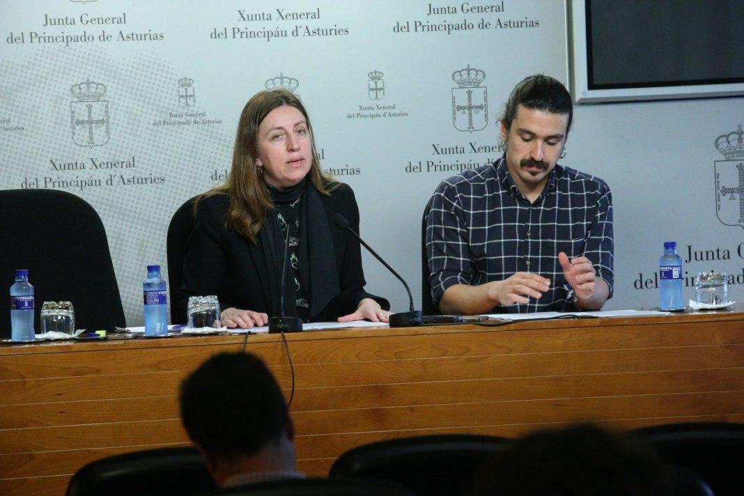 Lorena Gil y Andrés Vilanova en la rueda de prensa sobre la Ley de Salud