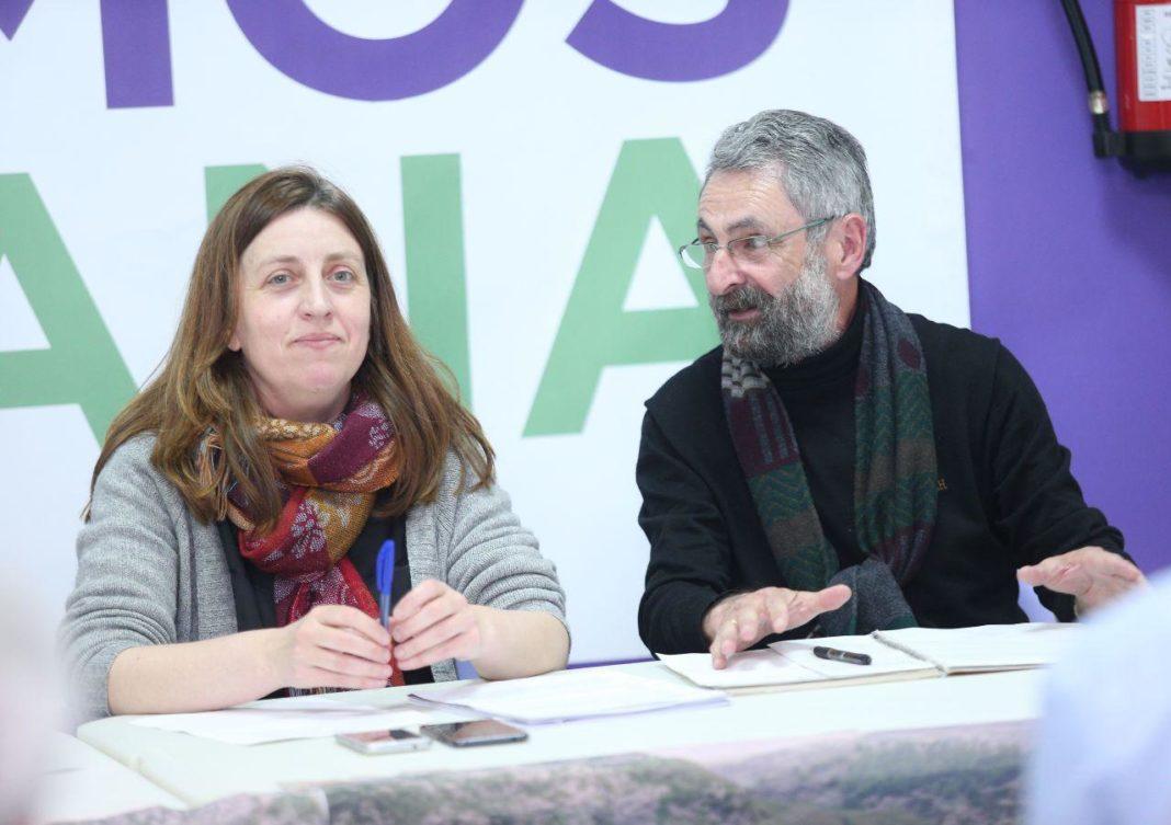 Lorena Gil en la presentación de la candidatura de Podemos Llaviana.