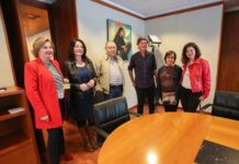 Sofía Castañon se reunió este miércoles en el Parlamento asturiano con representantes de la Coordinadora Estatal para la Defensa de las Pensiones Públicas