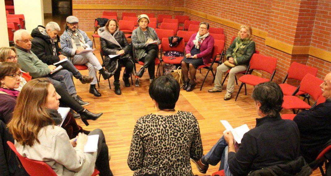 Lorena Gil mantuvo un encuentro en Xixón con representantes del movimiento de pensionistas