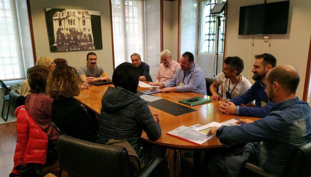 Andrés Vilanova aconceya col comité del Hospital de Xove a cuenta de la falta de profesionales nel serviciu d'Uroloxía