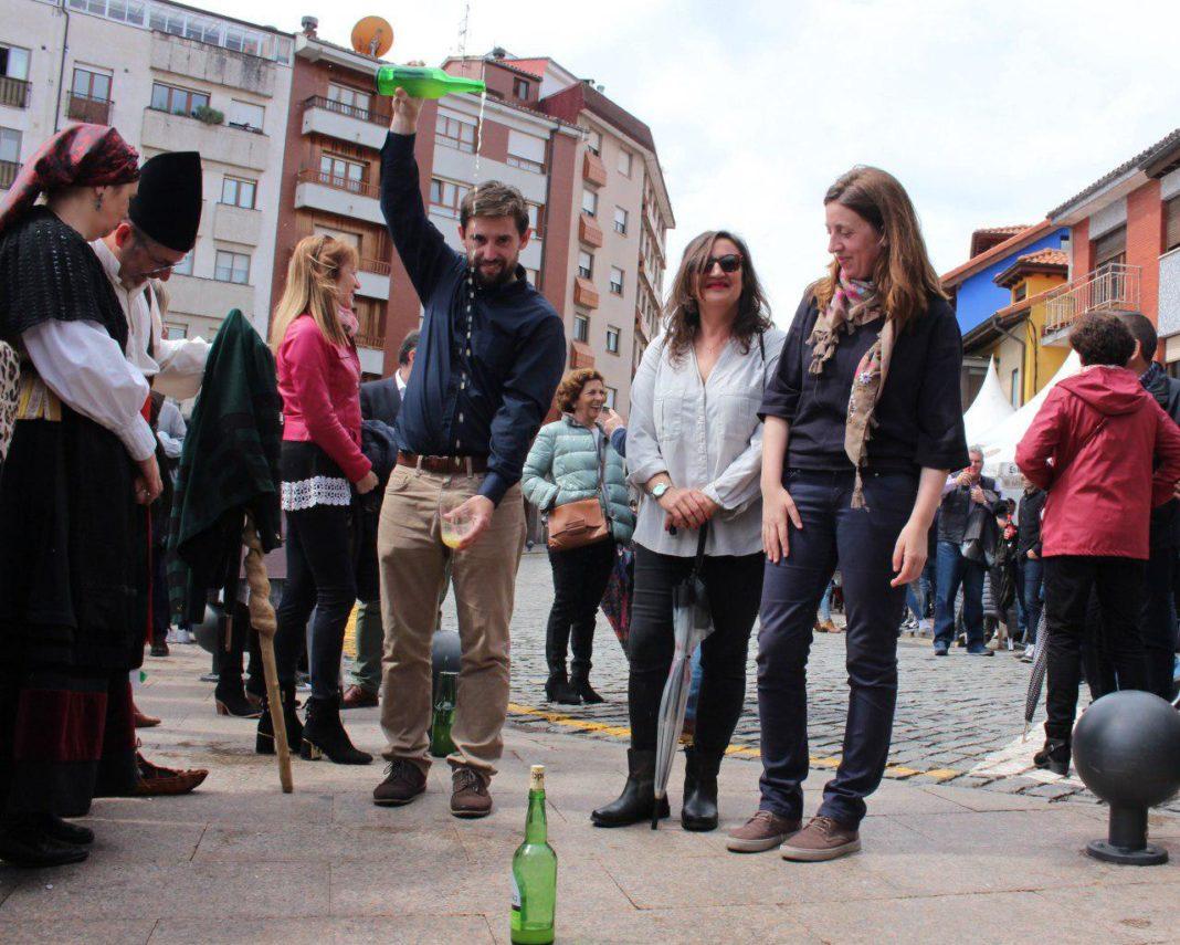 La cabeza de llista reclama na fiesta de los Güevos Pintos «que Siero, el cuartu conceyu asturianu, tenga'l llugar que merez»