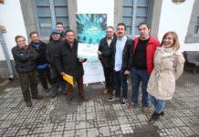 Andrés Vilanova entrega el Premio Doce Lluches a la Asociación de Vecinos y Amigos de los Valles de Gillón y Fuentes del Narcea