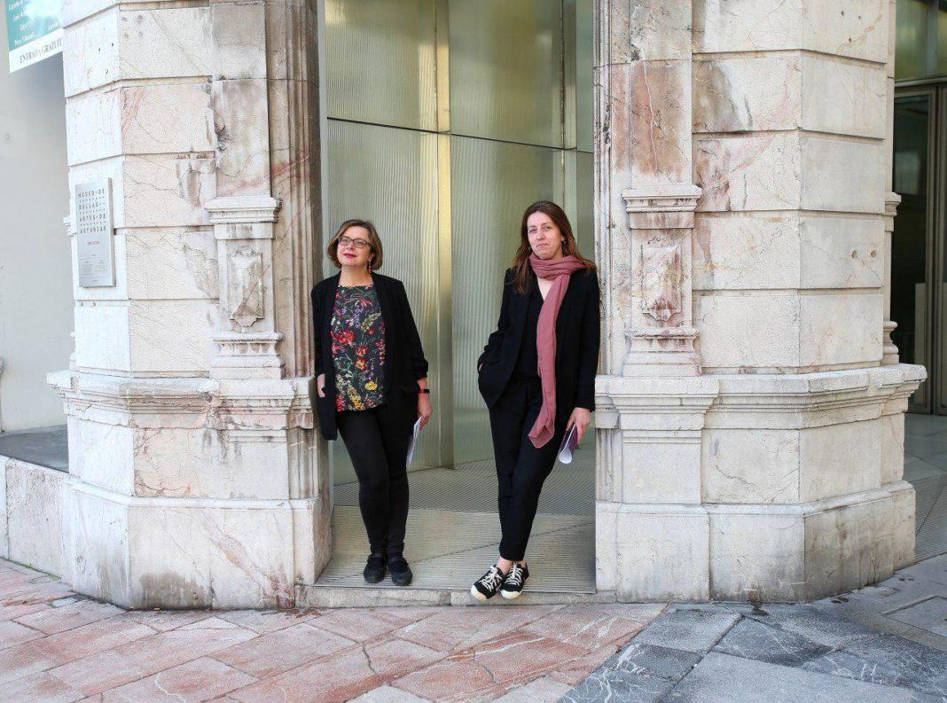 Lorena Gil ha desgranado, junto a Ana Taboada, las medidas de Podemos Asturies en materia de cultura para el concejo de Oviedo