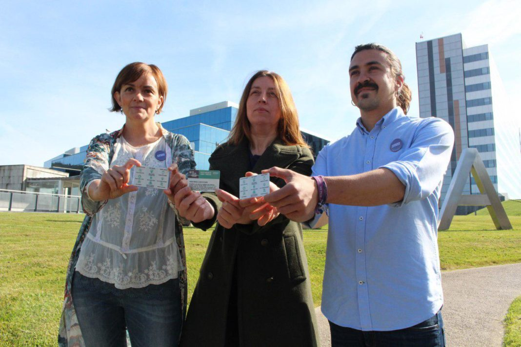 Lorena Gil, Andrés Ron y Covadonga tomé presentando programa de Podemos Asturies en materia sanitaria
