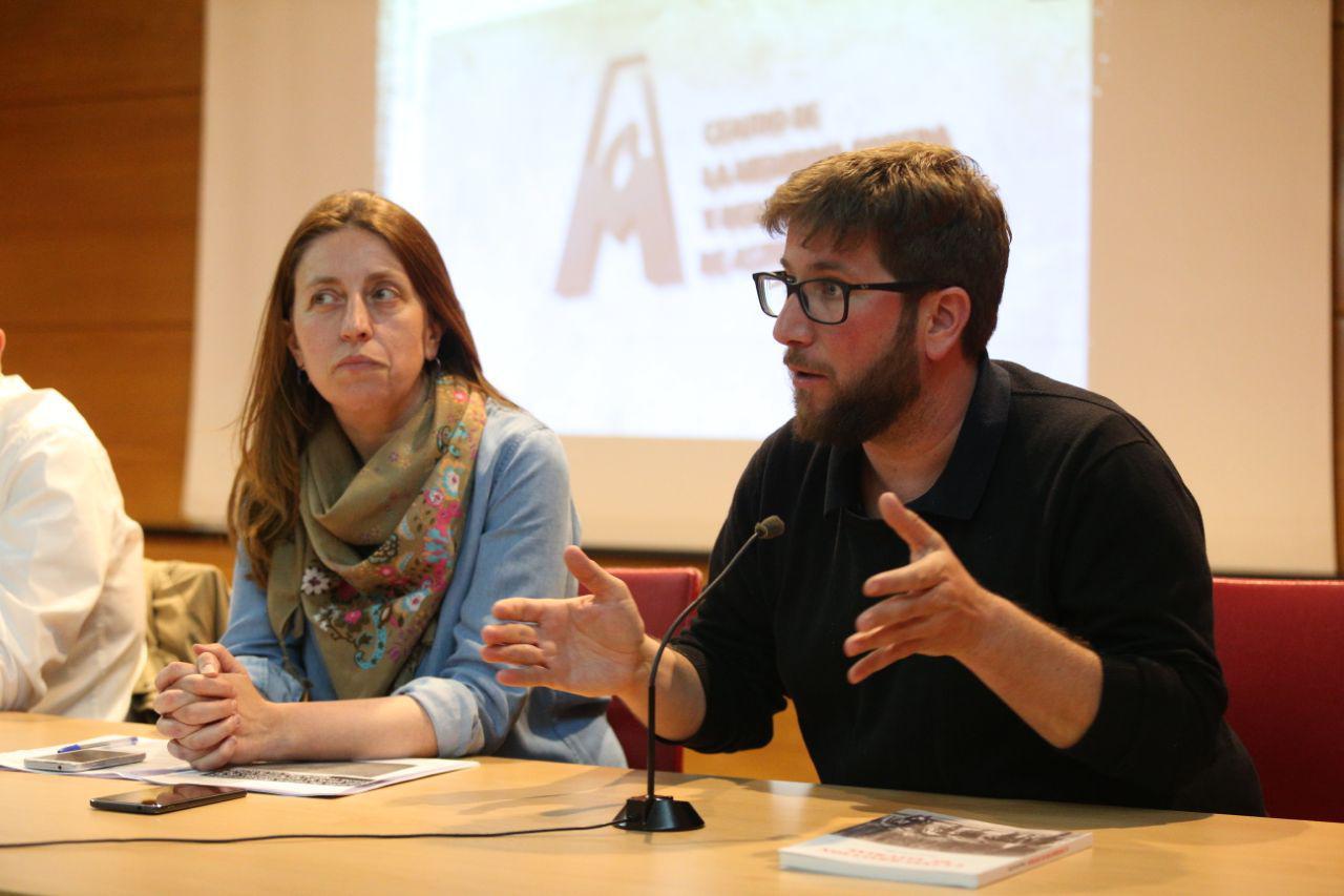 Lorena Gil anuncia en Llangréu que Podemos Asturies impulsará el Centro de Memoria Obrera y Democrática de Asturies