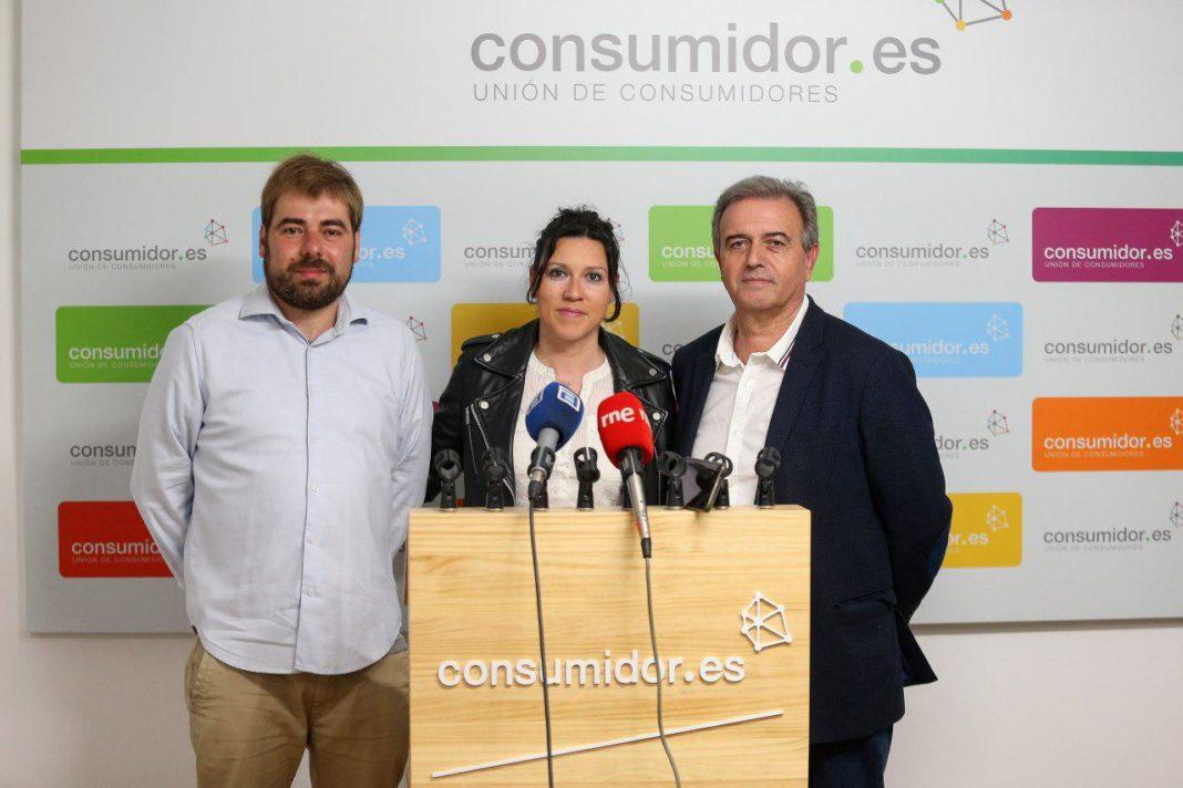 El secretario general y Nuria Rodríguez presentan las medidas en materia de consumo con Dacio Alonso, presidente de UCE Asturias