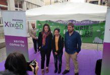 Lorena Gil, Yolanda Huergo y Daniel Ripa participan en Xixón en un pasacalles para denunciar la polución