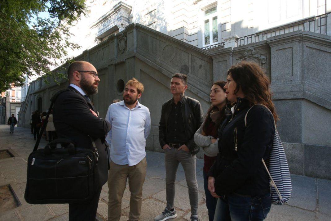 Daniel Ripa, Rafa Palacios, Nuria Rodríguez, Itzíar Fuente a las puertas del Tribunal Supremo