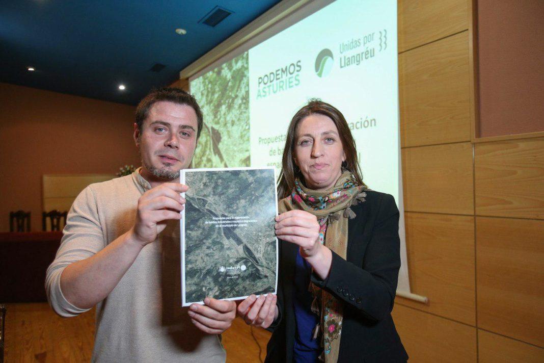 Lorena Gil presenta un estudio para la regeneración de baldíos industriales y espacios degradados en el concejo de Llangréu