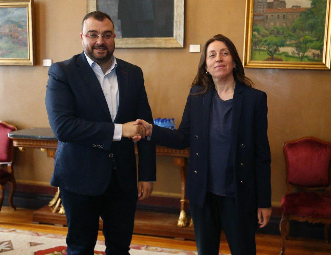 Lorena Gil, Adrian Barbón en la Xunta Xeneral