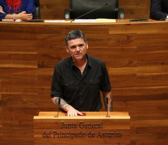 El diputado Rafael Palacios en el Hemiciclo