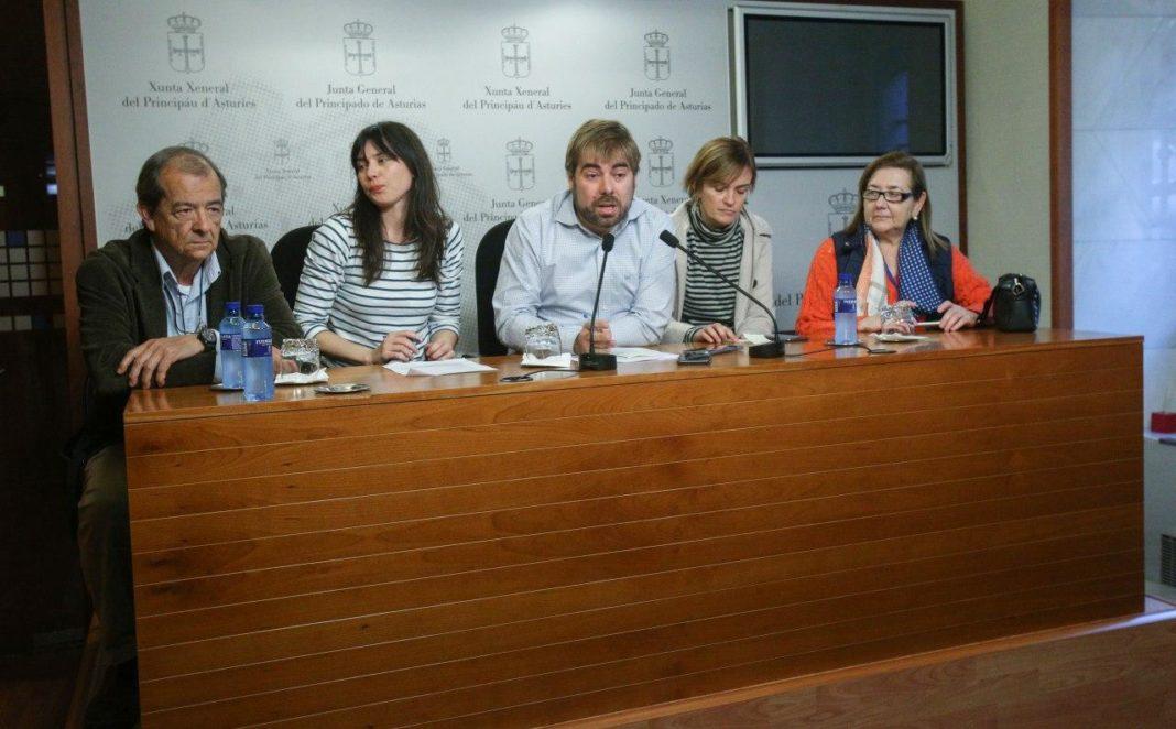 200103 Daniel Ripa, Covadonga Tomé, Laura Tuero. Rueda de Prensa Crisis Sanitaria Asturiana