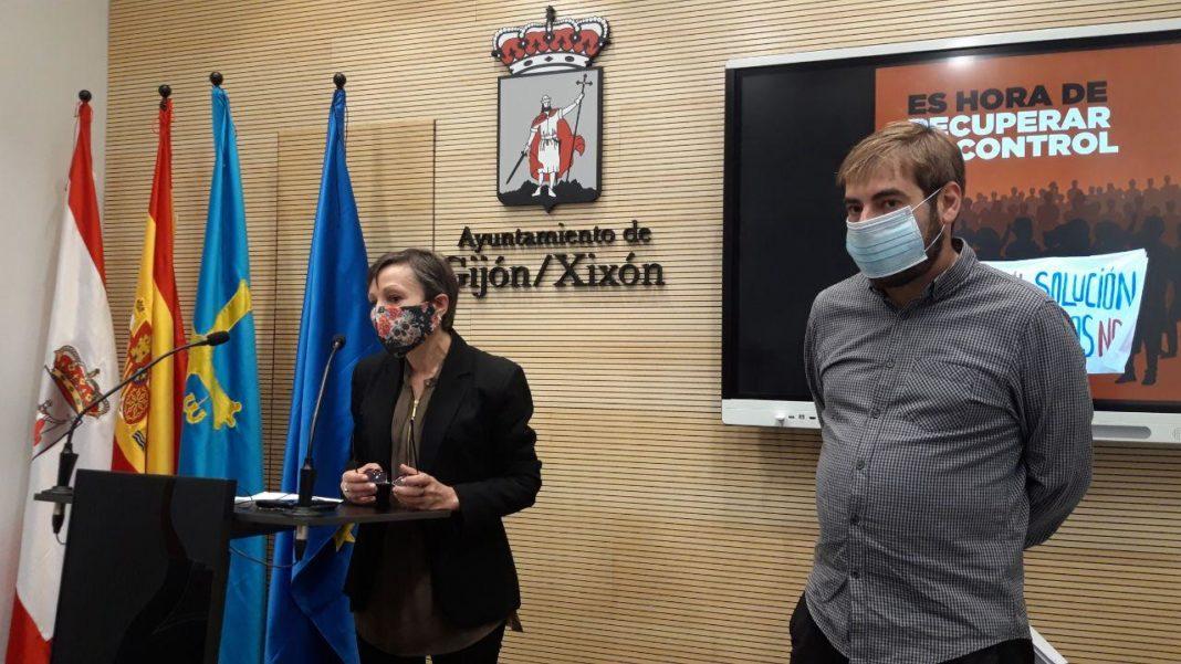 El secretario general de Podemos Asturies y la portavoz municipal en el Ayto. de Xixón solicitan una reunión al presidente de la Autoridad Portuaria, Laureano Lourido, para mediar en la disputa laboral y encontrar una solución inmediat