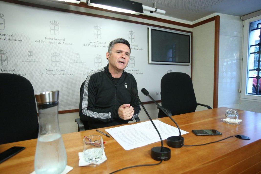 """Rafael Palacios reclama al Gobierno asturiano """"diálogo verdadero"""" con los y las inquilinas de estas viviendas públicas"""