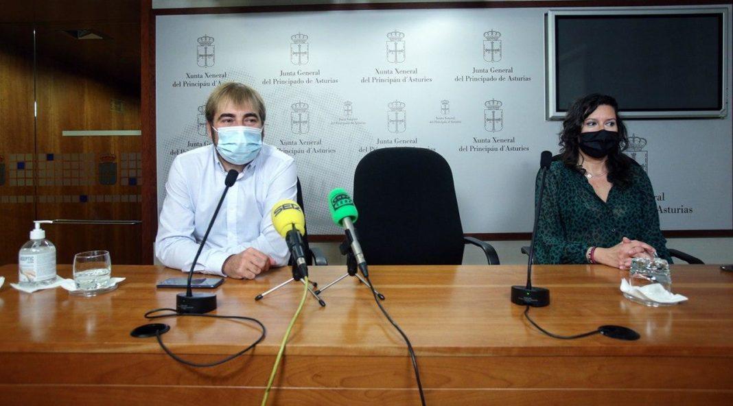 """Daniel Ripa y Nuria Rodríguez critican a ALSA porque """"los usuarios y usuarias viajan como sardinas"""" en plena crisis sanitaria y exigen al Ejecutivo que reduzca a la mitad el aforo en los autobuses y aumente las frecuencias"""