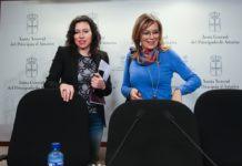 Nuria Rodríguez y Ángela Vallina han pedido este viernes al Gobierno asturiano que recapacite en su decisión de rescindir los contratos de las cafeterías de los IES asturianos y dejar en la calle a 126 familias que dependen de este empleo